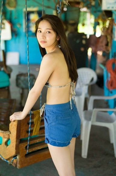 Everyone longed for that beautiful girl boldly showed off her swimsuit Erika Denya053