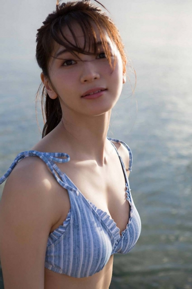 Everyone longed for that beautiful girl boldly showed off her swimsuit Erika Denya116