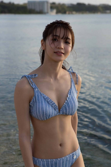 Everyone longed for that beautiful girl boldly showed off her swimsuit Erika Denya117