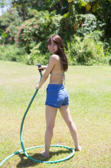 Everyone longed for that beautiful girl boldly showed off her swimsuit Erika Denya133