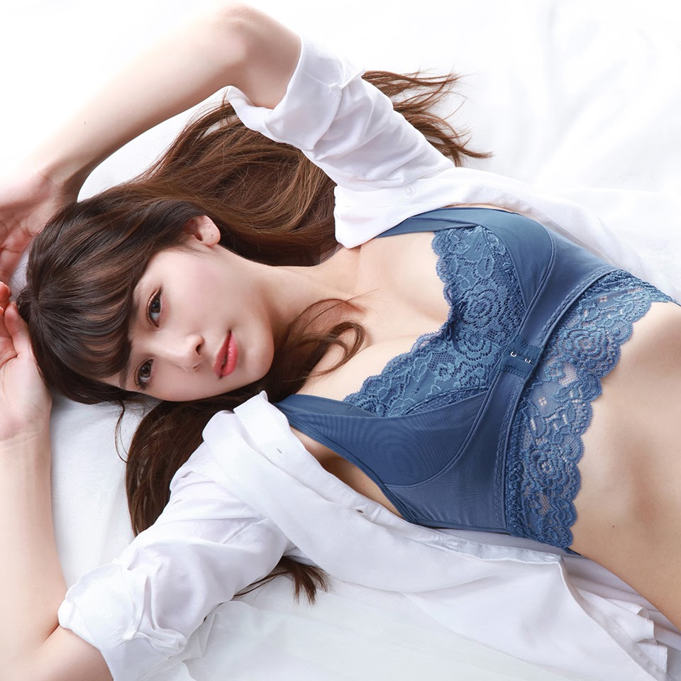 Fluffy Room Blubless Underwear Model Angela Mei003