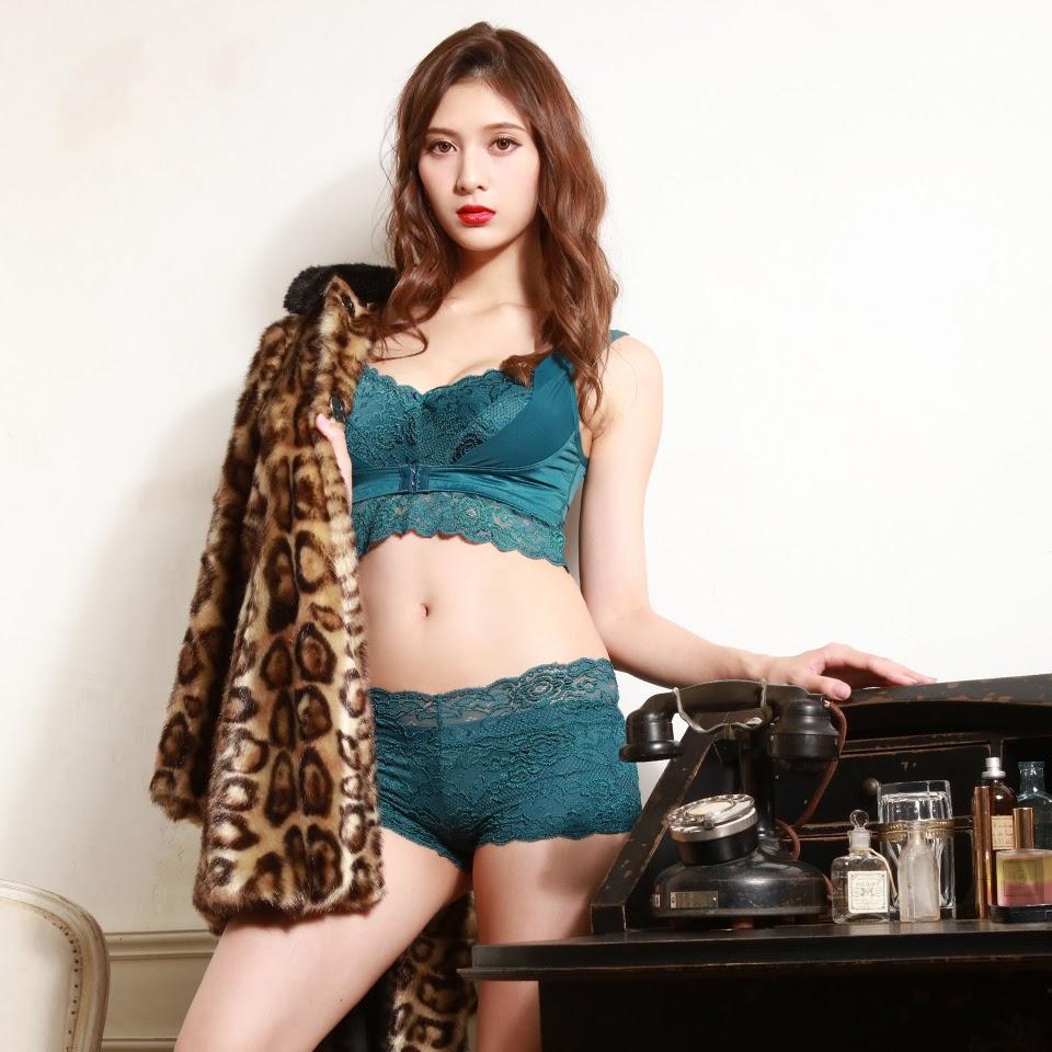 Fluffy Room Blubless Underwear Model Angela Mei007