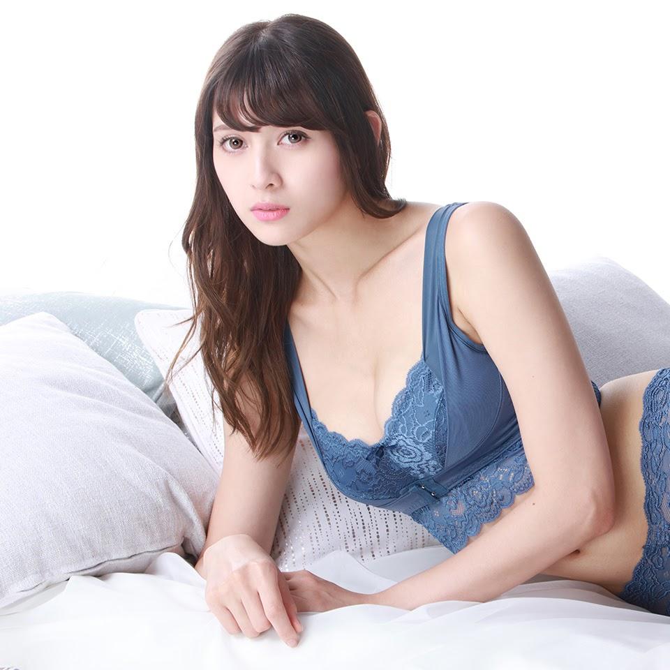 Fluffy Room Blubless Underwear Model Angela Mei006
