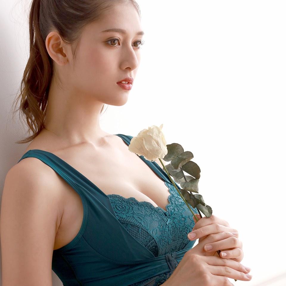 Fluffy Room Blubless Underwear Model Angela Mei008