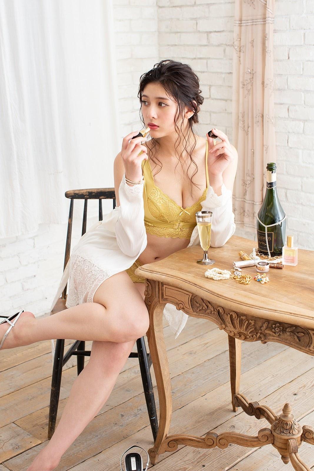 Fluffy Room Blubless Underwear Model Angela Mei013