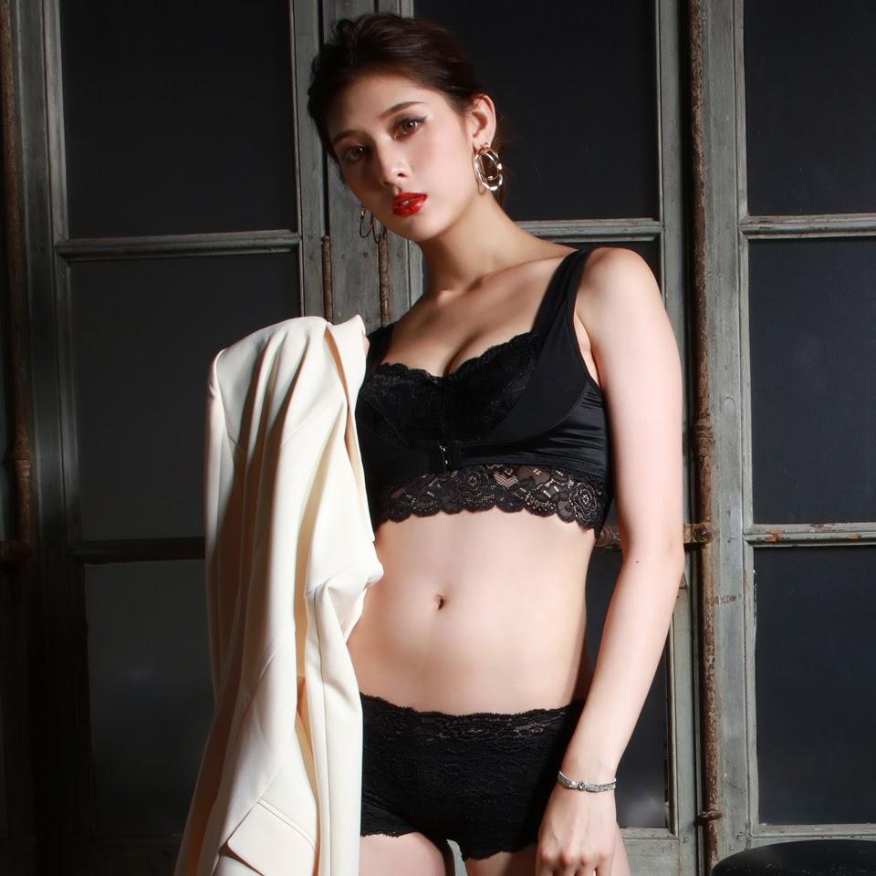 Fluffy Room Blubless Underwear Model Angela Mei049