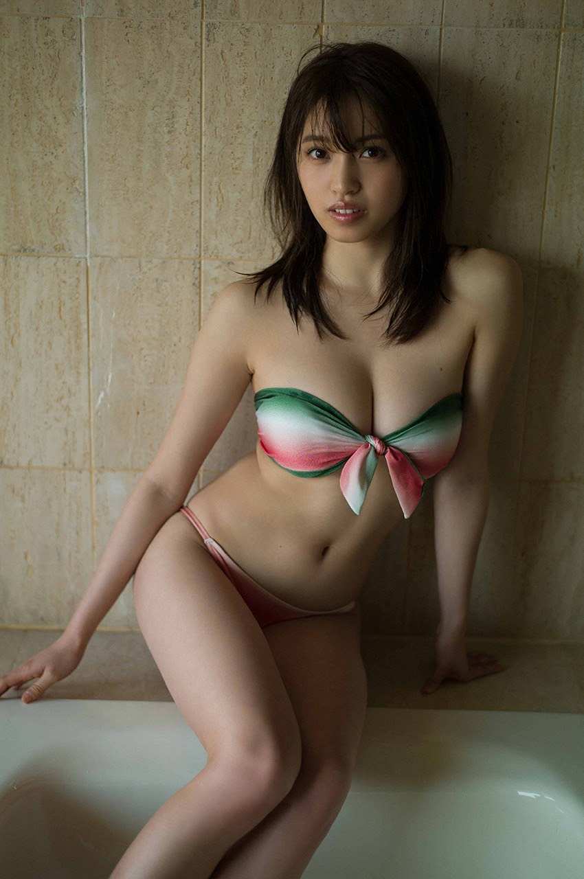 Gravure world treasure BODY Dynamic Miyubai pops up in winter in Okinawa003