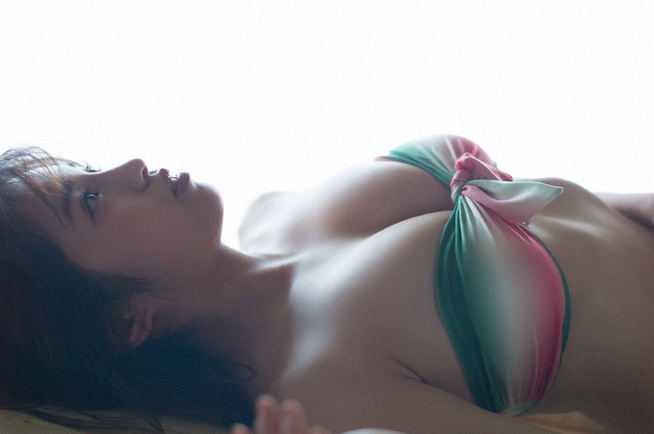 Gravure world treasure BODY Dynamic Miyubai pops up in winter in Okinawa007