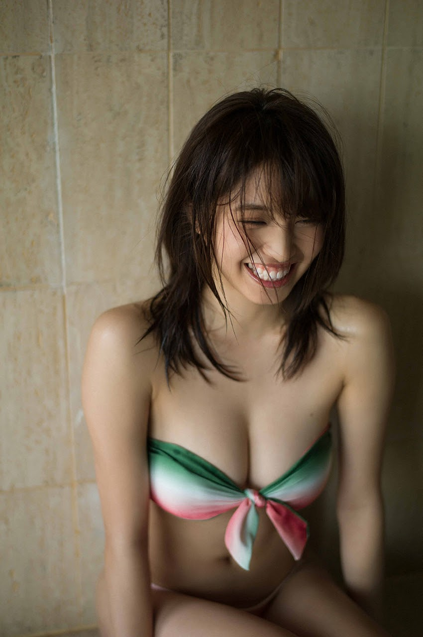 Gravure world treasure BODY Dynamic Miyubai pops up in winter in Okinawa015