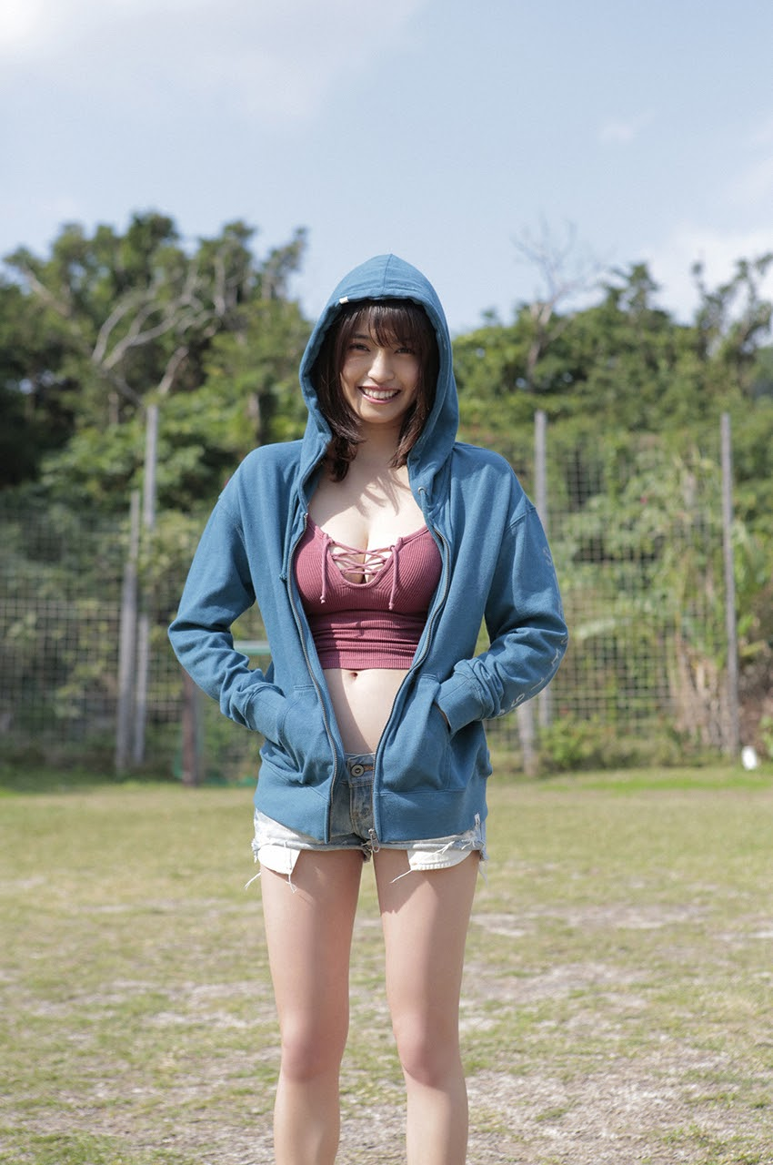 Gravure world treasure BODY Dynamic Miyubai pops up in winter in Okinawa028