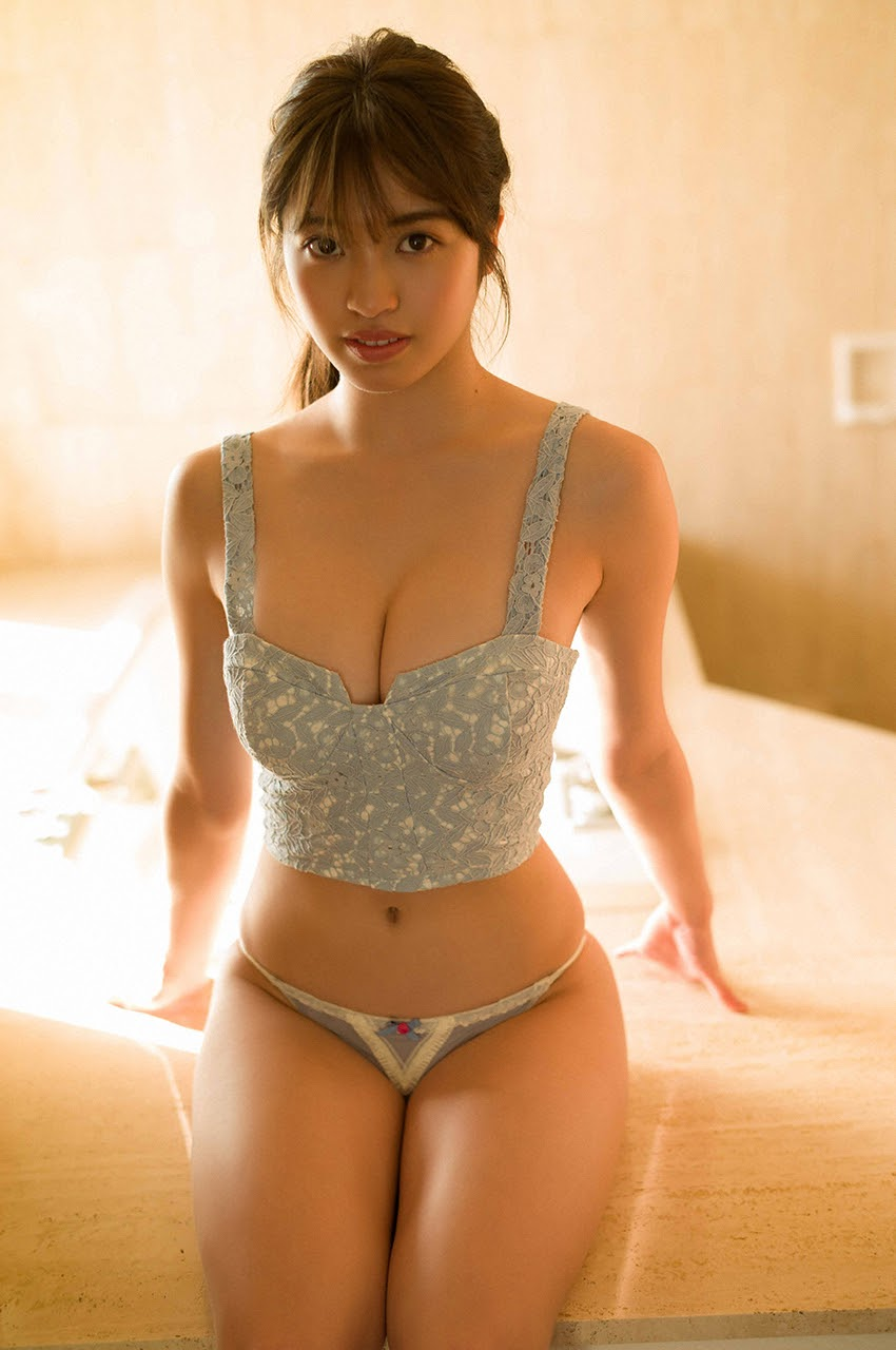 Gravure world treasure BODY Dynamic Miyubai pops up in winter in Okinawa043