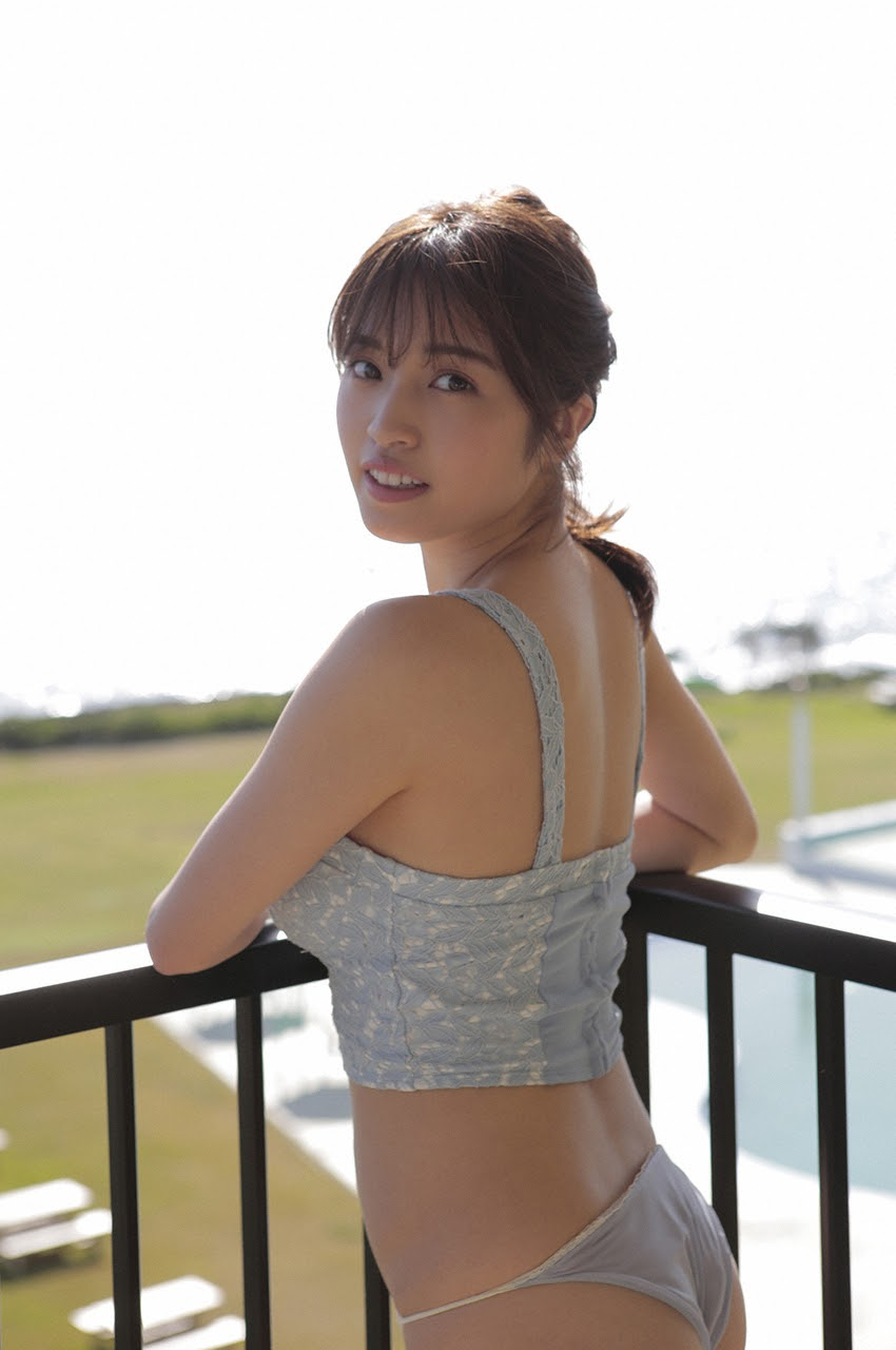 Gravure world treasure BODY Dynamic Miyubai pops up in winter in Okinawa044