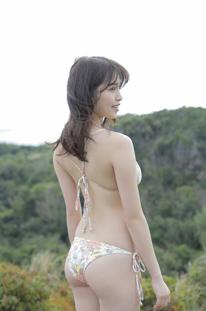 Gravure world treasure BODY Dynamic Miyubai pops up in winter in Okinawa055