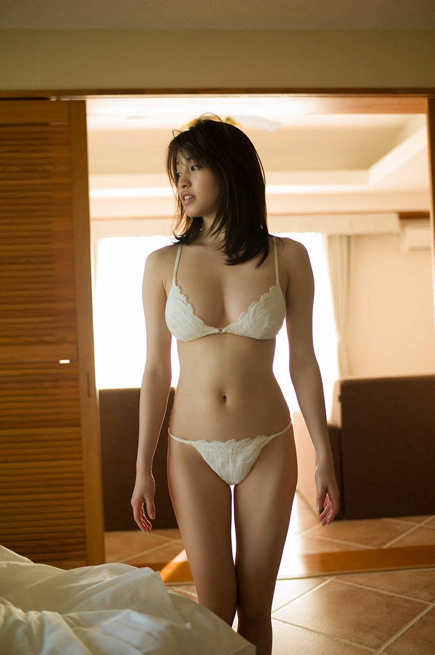 Gravure world treasure BODY Dynamic Miyubai pops up in winter in Okinawa089