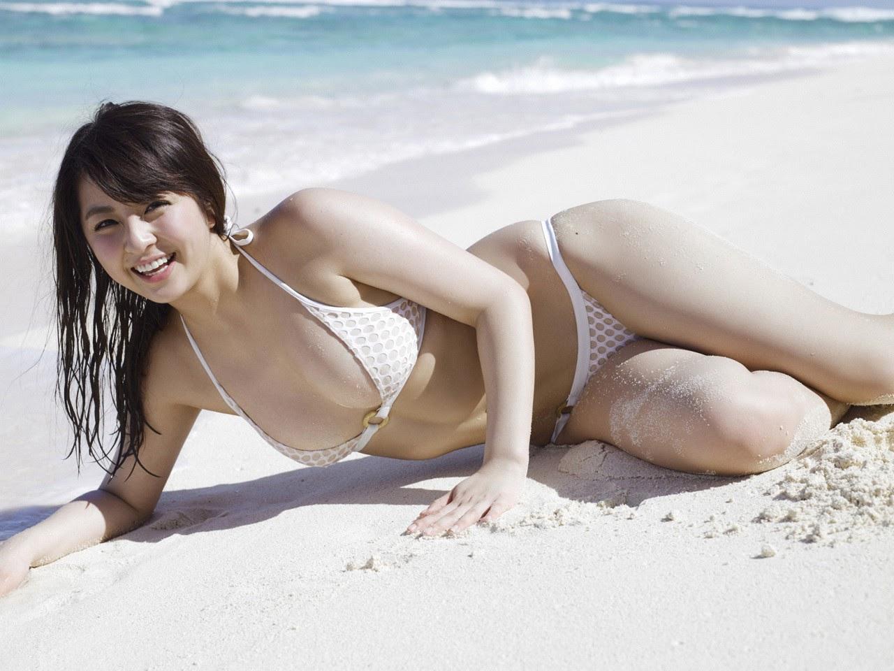 Bikini on a white sandy beach044
