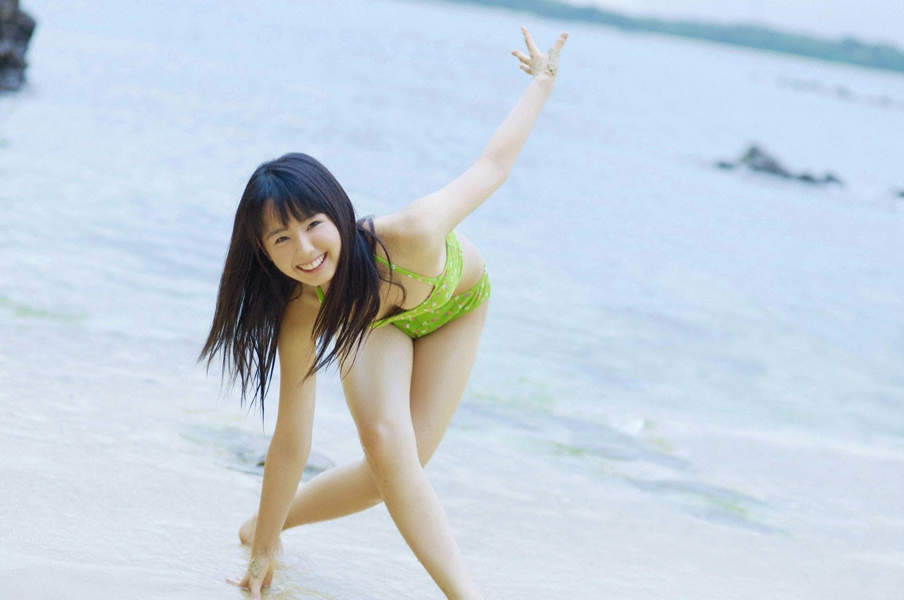 The ultimate beautiful girls angel smile explodes in Okinawa for the first time experience Rina Koike021