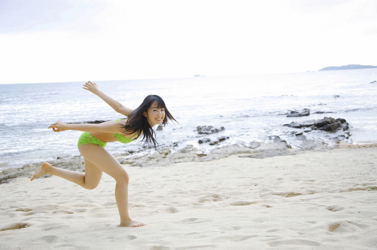 The ultimate beautiful girls angel smile explodes in Okinawa for the first time experience Rina Koike020