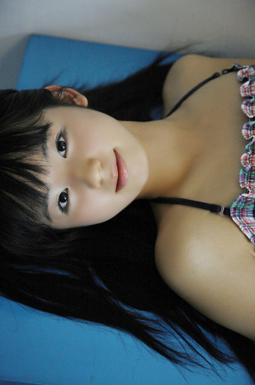 The ultimate beautiful girls angel smile explodes in Okinawa for the first time experience Rina Koike065