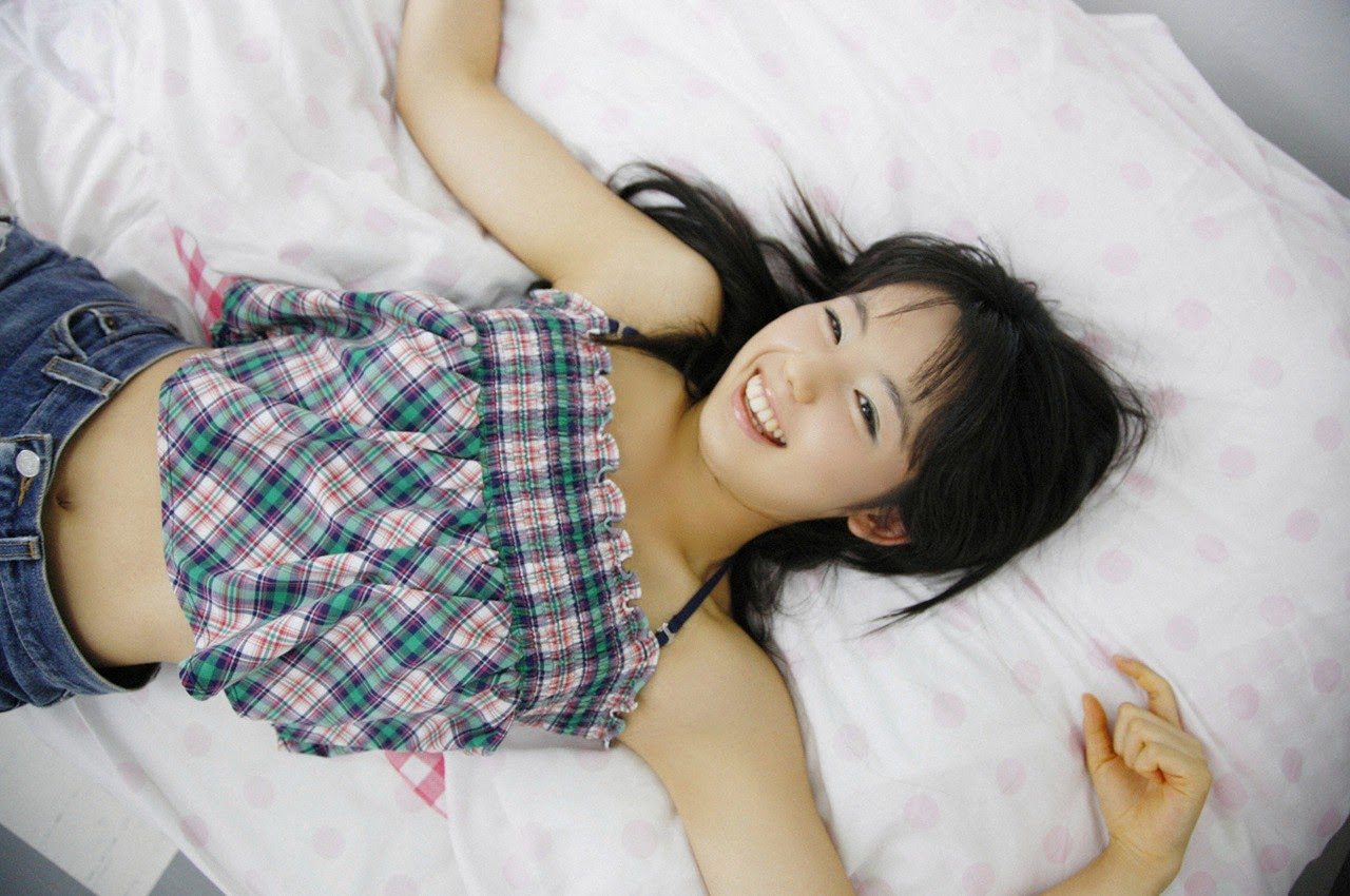 The ultimate beautiful girls angel smile explodes in Okinawa for the first time experience Rina Koike066
