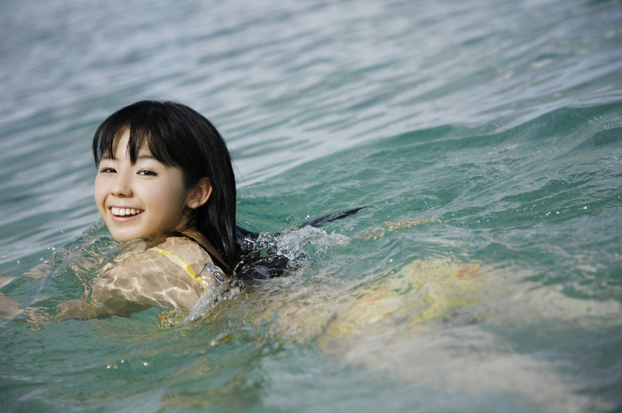 The ultimate beautiful girls angel smile explodes in Okinawa for the first time experience Rina Koike080