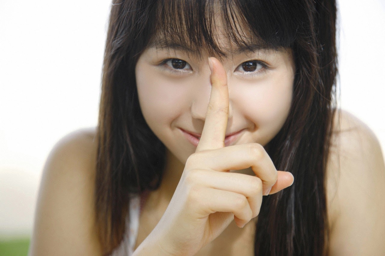 The ultimate beautiful girls angel smile explodes in Okinawa for the first time experience Rina Koike091