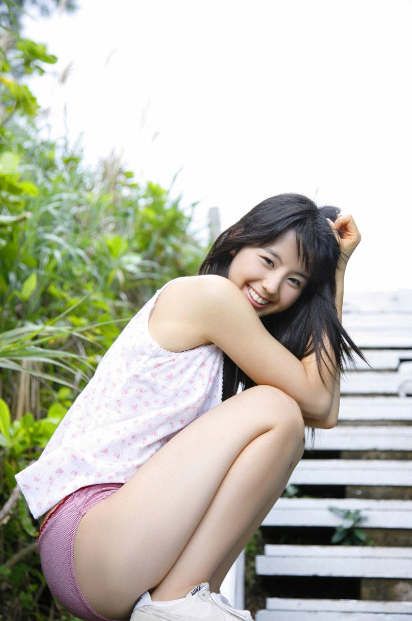 The ultimate beautiful girls angel smile explodes in Okinawa for the first time experience Rina Koike101
