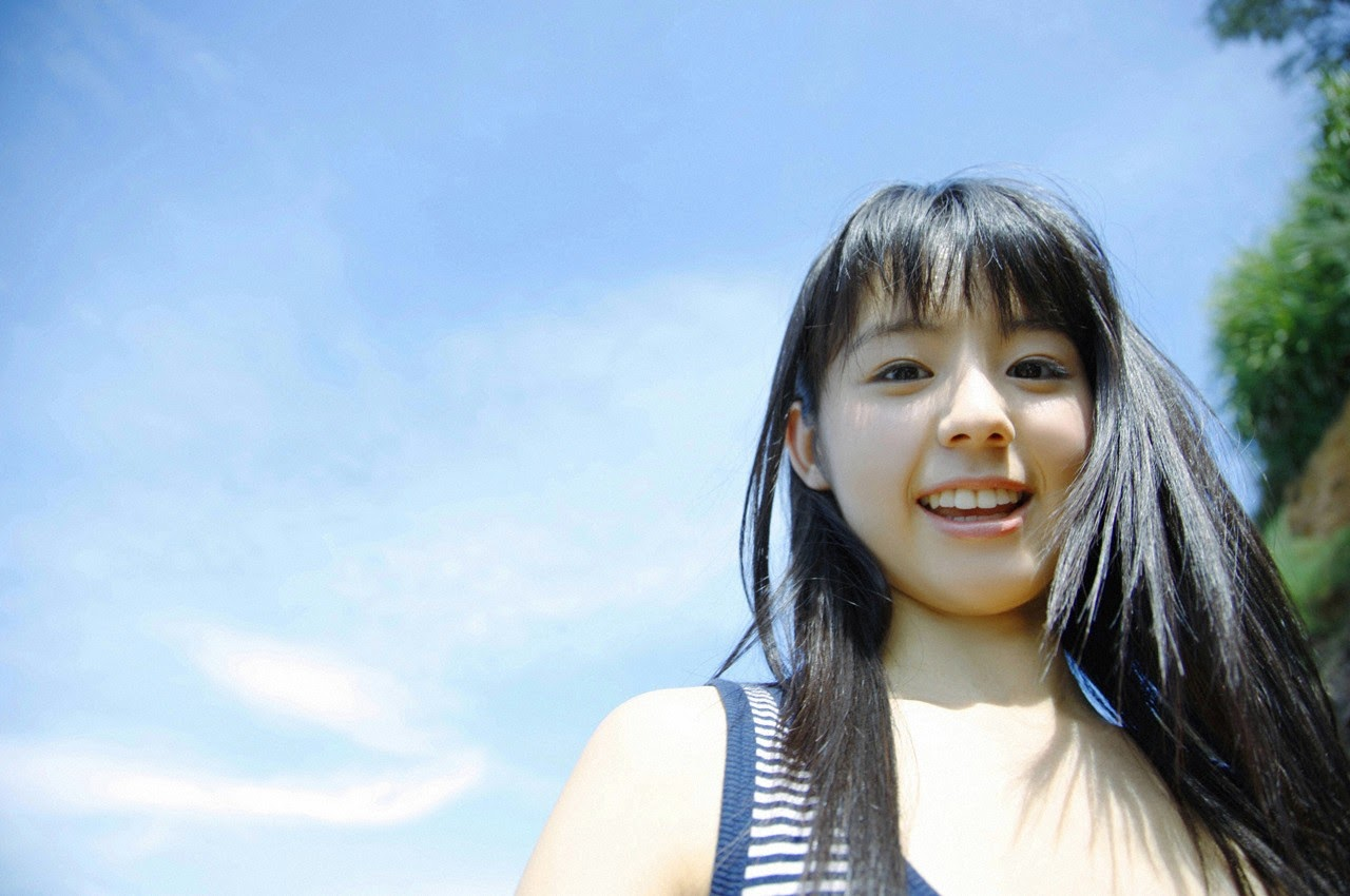 The ultimate beautiful girls angel smile explodes in Okinawa for the first time experience Rina Koike107