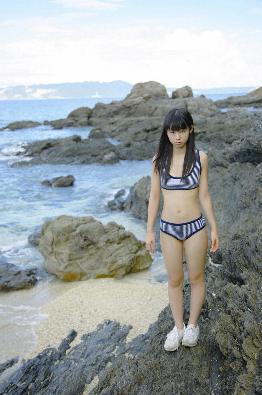 The ultimate beautiful girls angel smile explodes in Okinawa for the first time experience Rina Koike114