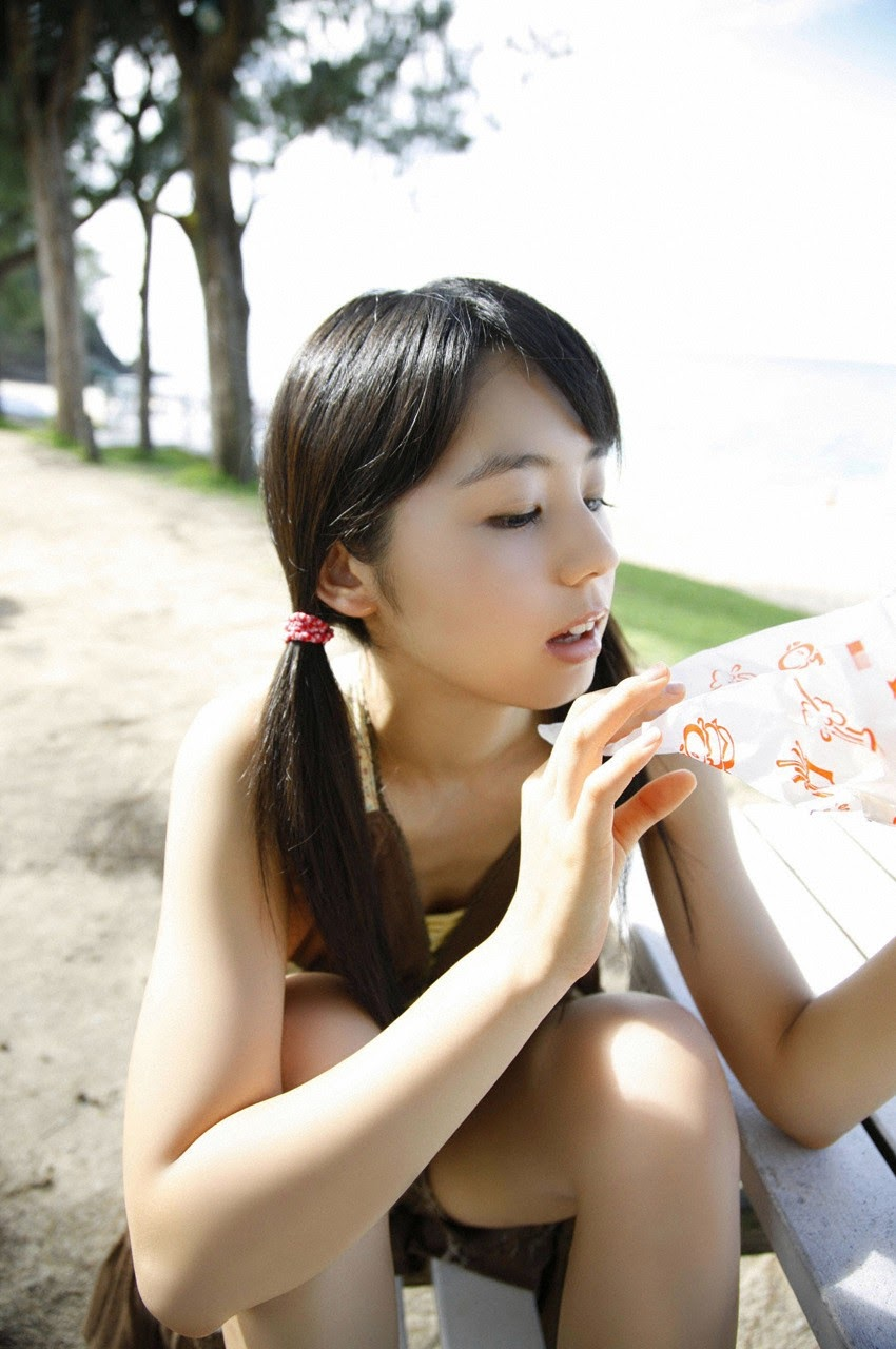 The ultimate beautiful girls angel smile explodes in Okinawa for the first time experience Rina Koike130