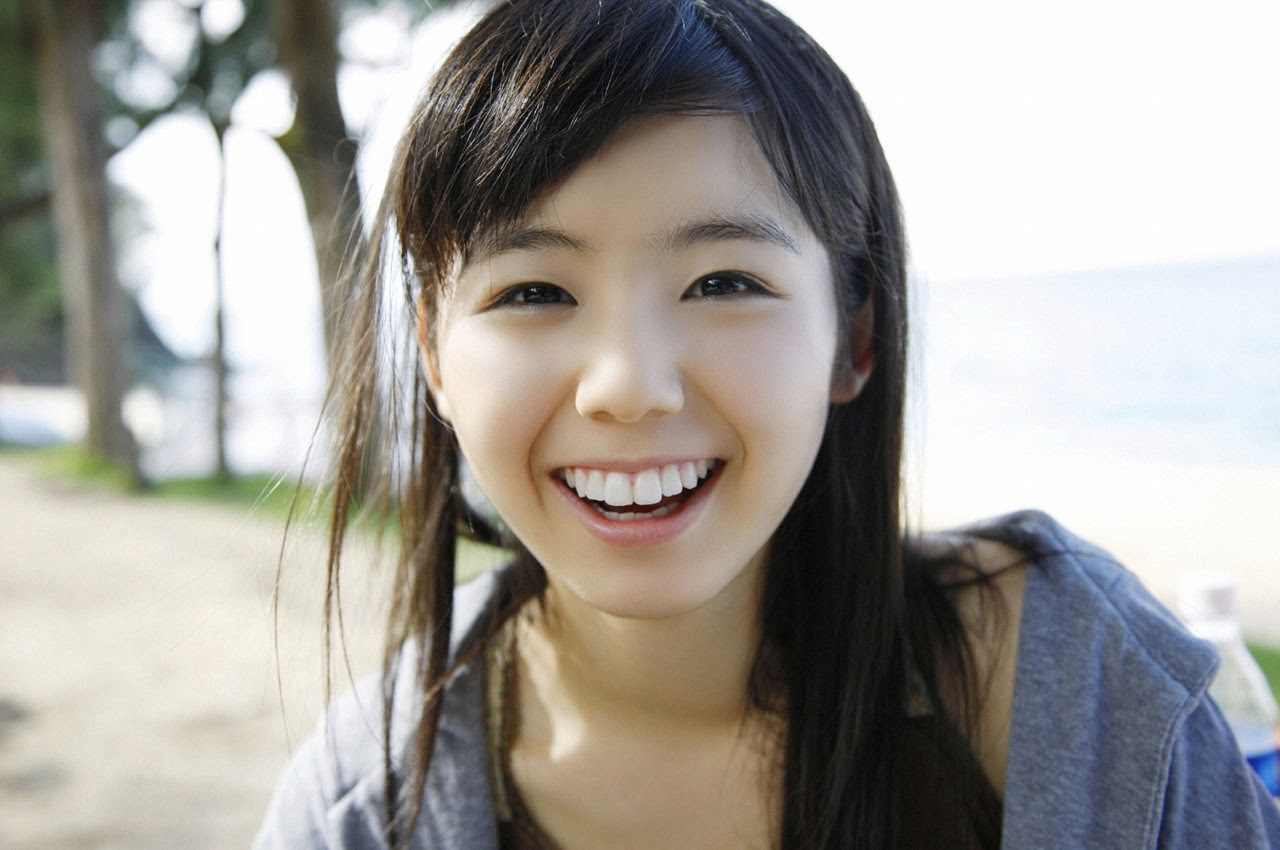 The ultimate beautiful girls angel smile explodes in Okinawa for the first time experience Rina Koike134