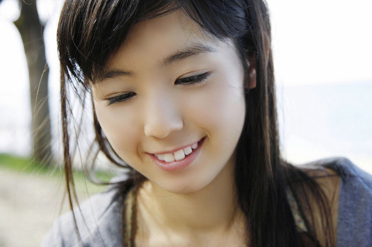 The ultimate beautiful girls angel smile explodes in Okinawa for the first time experience Rina Koike135
