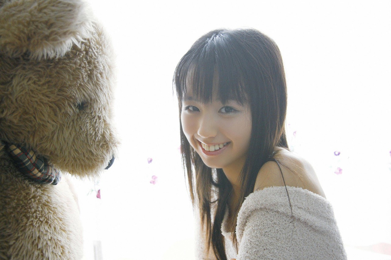 The ultimate beautiful girls angel smile explodes in Okinawa for the first time experience Rina Koike136