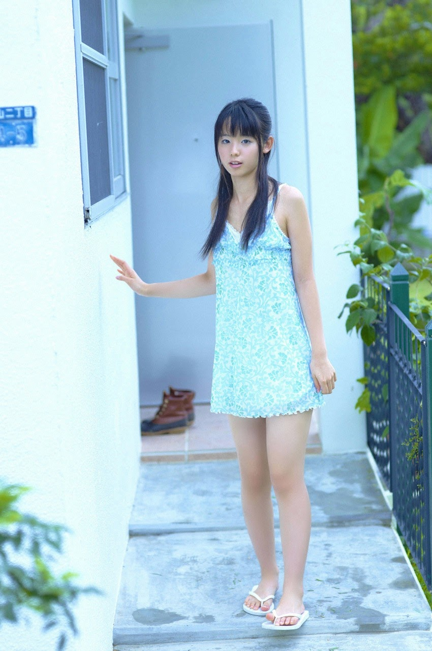 The ultimate beautiful girls angel smile explodes in Okinawa for the first time experience Rina Koike152