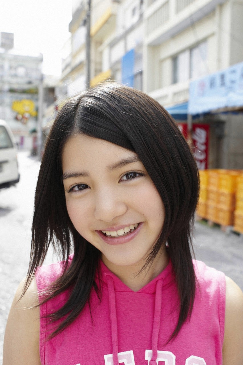 Umi chans smile explodes on some southern island032