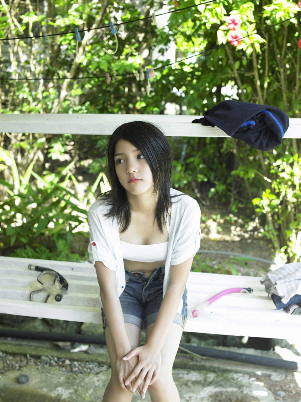 Umi chans smile explodes on some southern island058