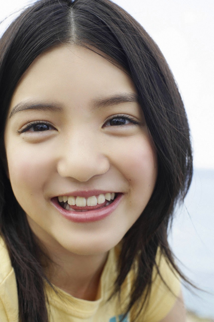 Umi chans smile explodes on some southern island089