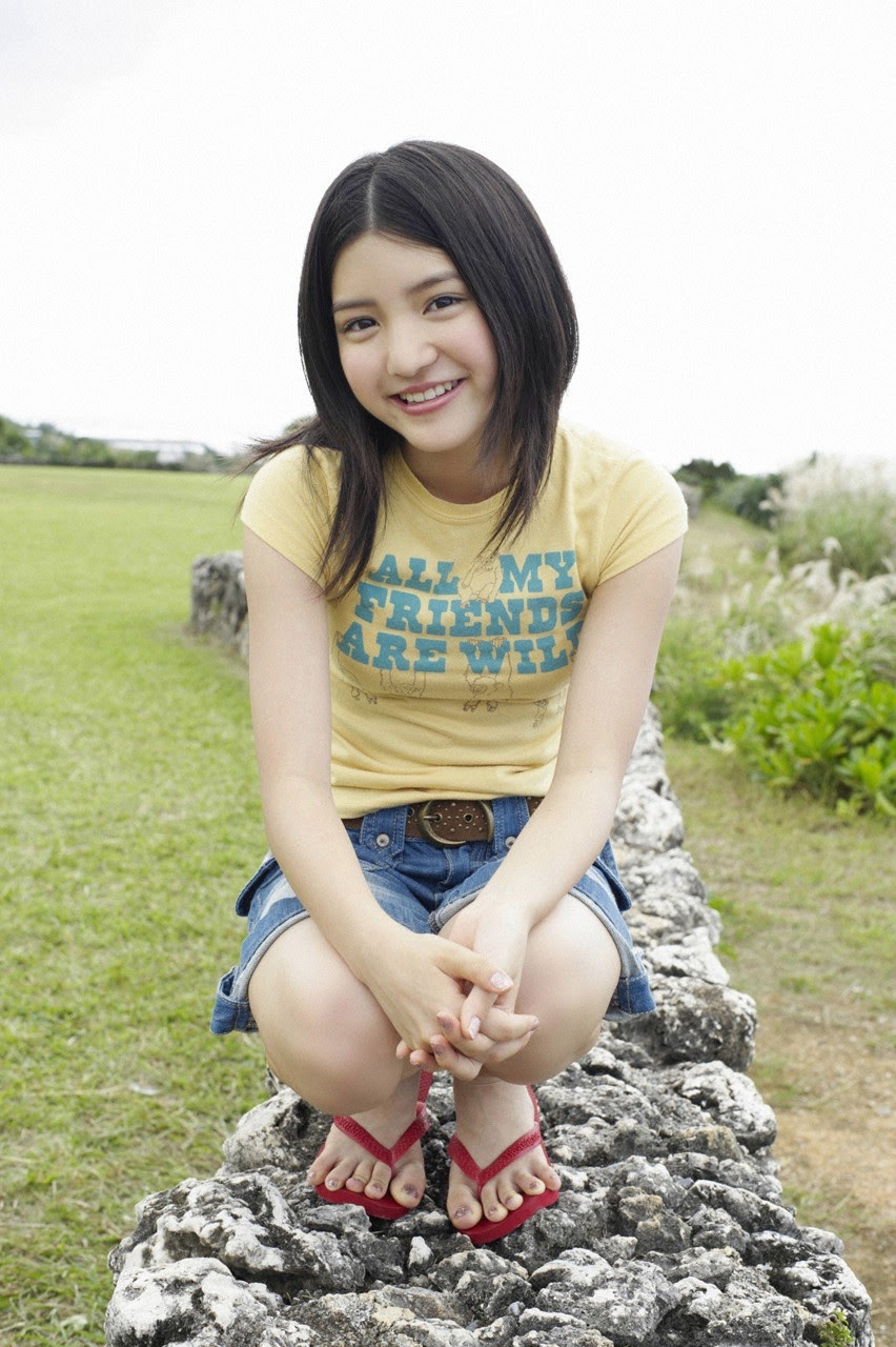 Umi chans smile explodes on some southern island093