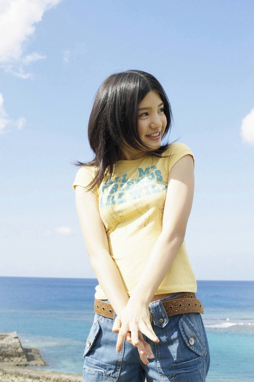Umi chans smile explodes on some southern island094
