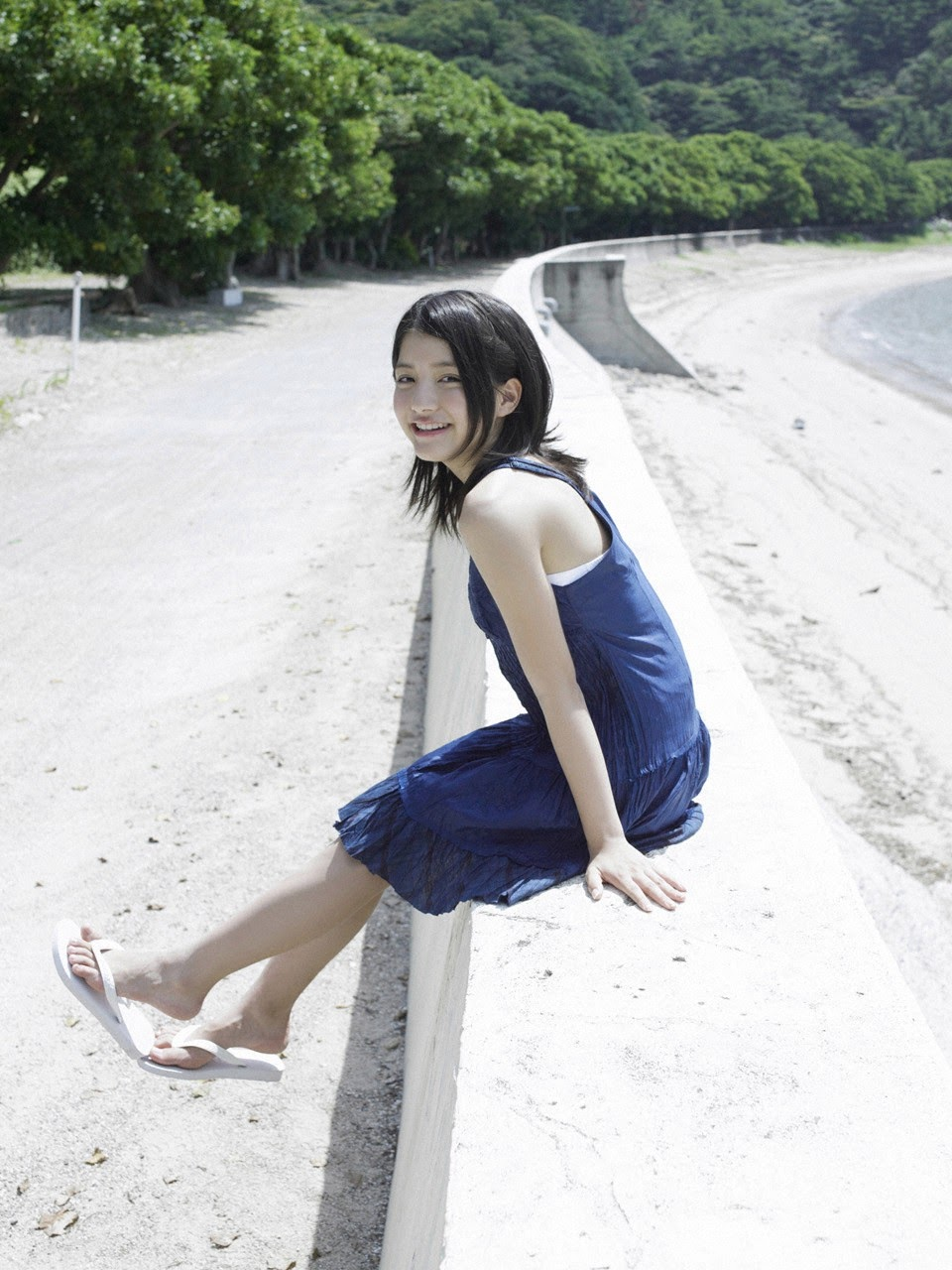 Umi chans smile explodes on some southern island158