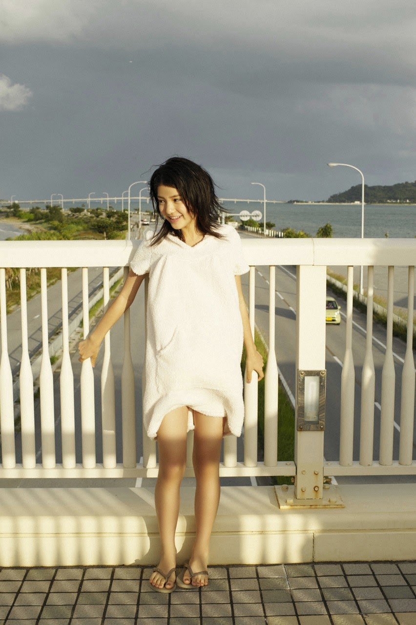 Umi chans smile explodes on some southern island175