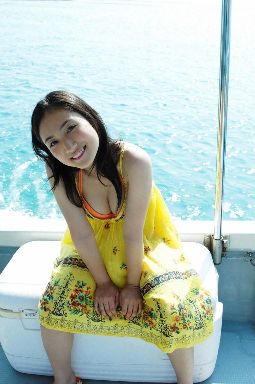 And on Kumejima the first experienceher late summer vacation begins! Saaya010