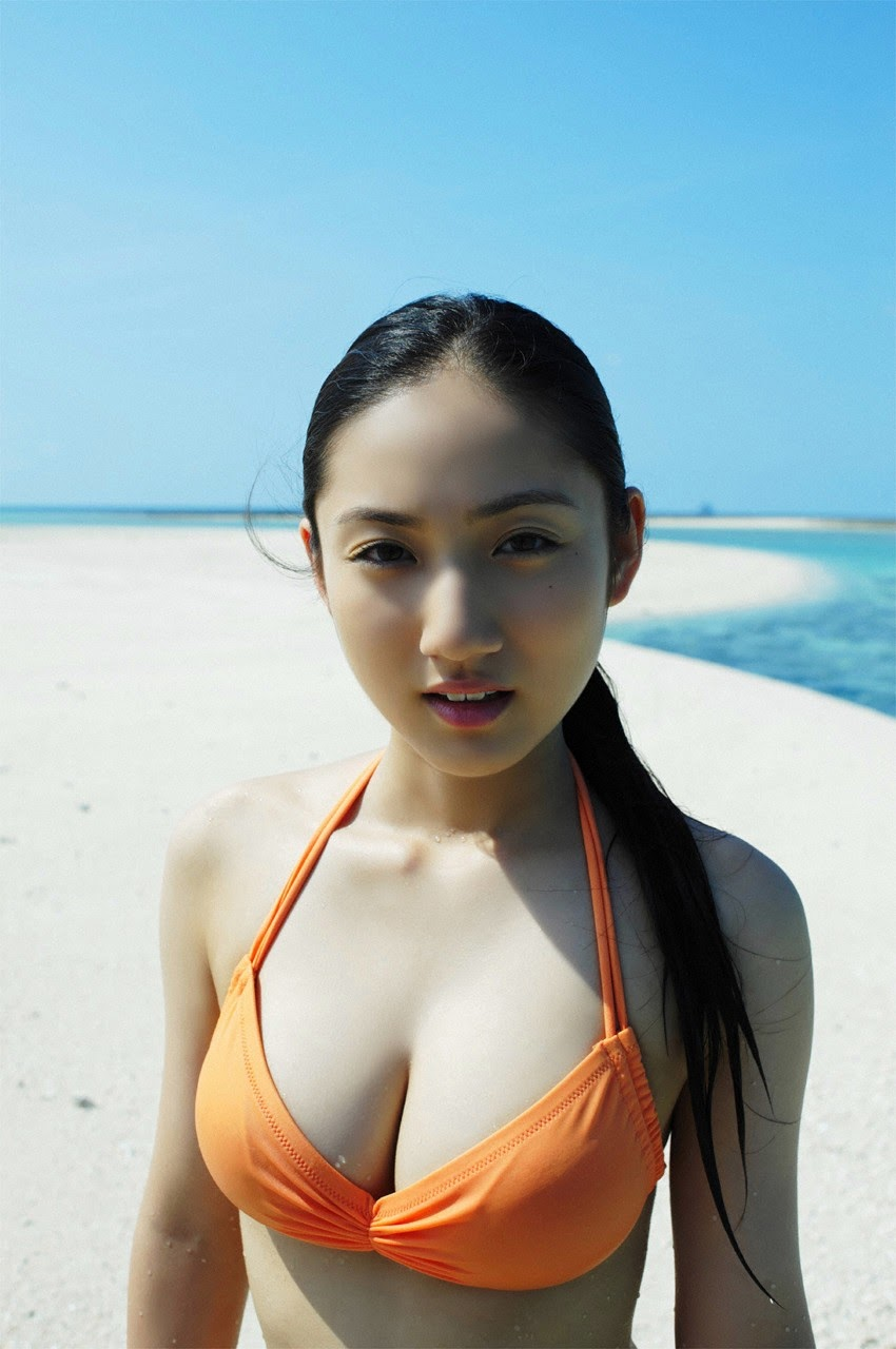 And on Kumejima the first experienceher late summer vacation begins! Saaya023