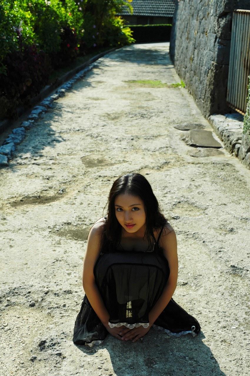 And on Kumejima the first experienceher late summer vacation begins! Saaya084