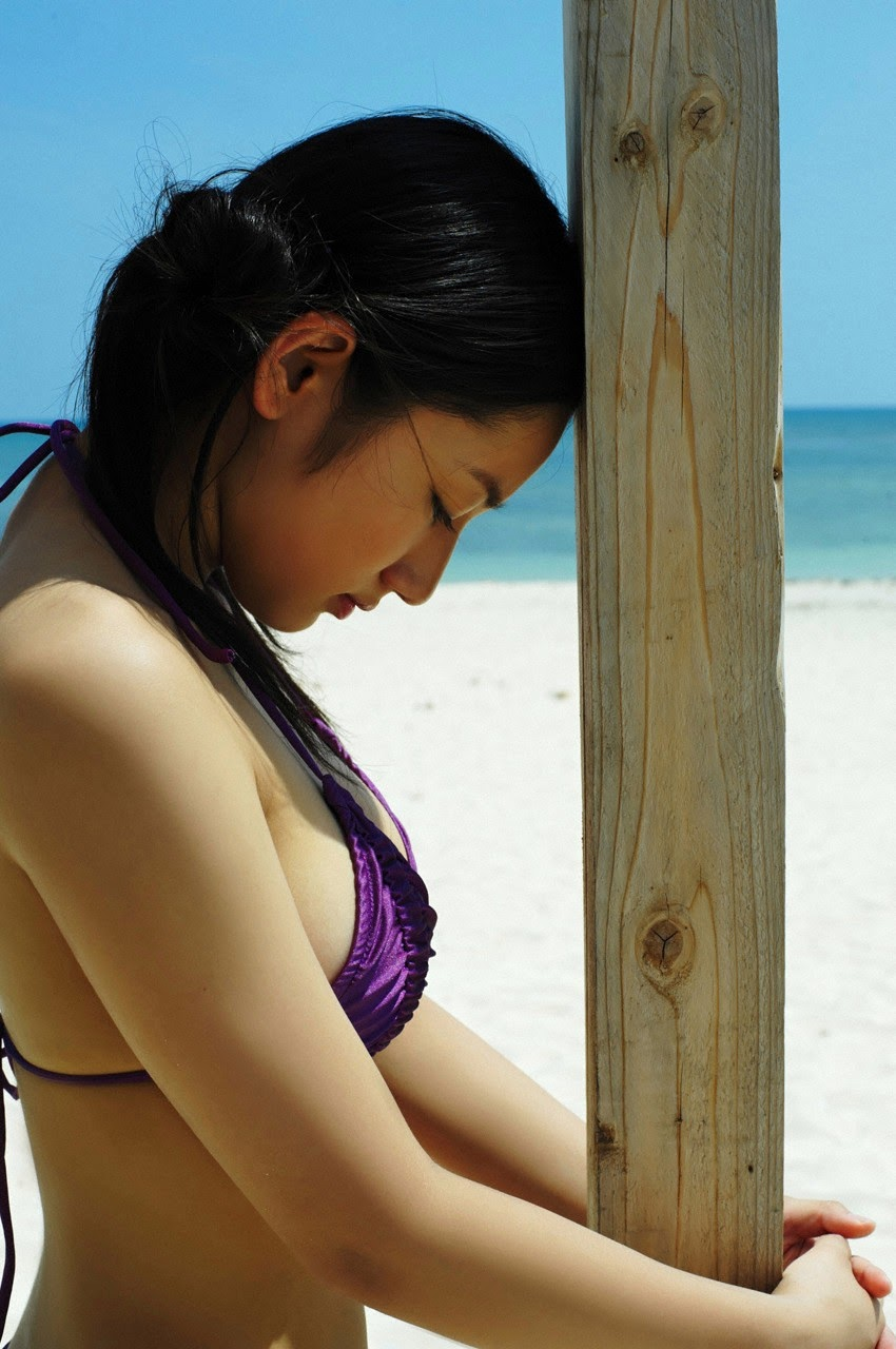 And on Kumejima the first experienceher late summer vacation begins! Saaya092