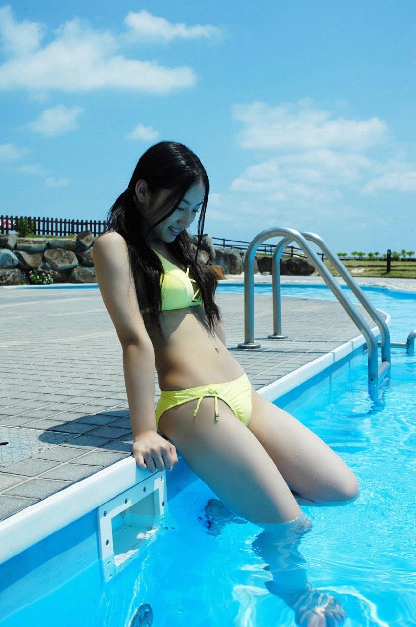 And on Kumejima the first experienceher late summer vacation begins! Saaya106