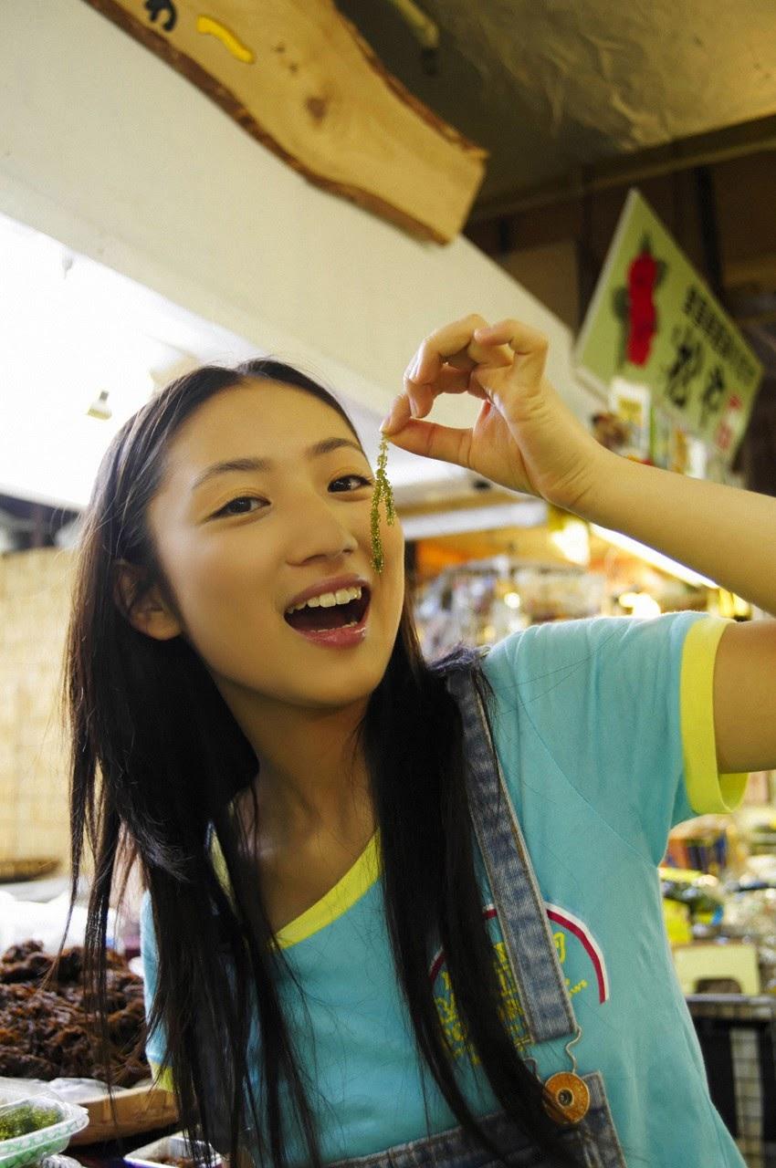 And on Kumejima the first experienceher late summer vacation begins! Saaya147