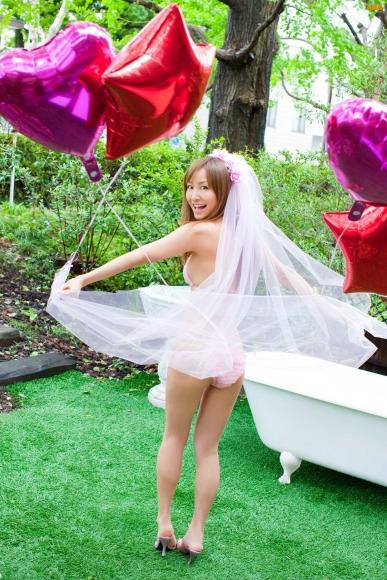 Sexy bride and cute bride who seduce with bold pose and provocative gaze Aya Kiguchi004