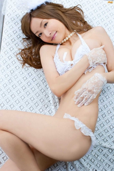 Sexy bride and cute bride who seduce with bold pose and provocative gaze Aya Kiguchi027