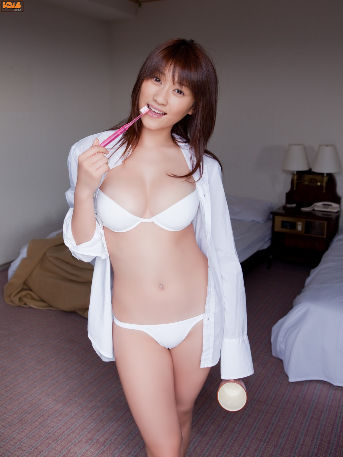 All kinds of redweathered skin sweaty skin smiles in the morning light Mikie Hara010