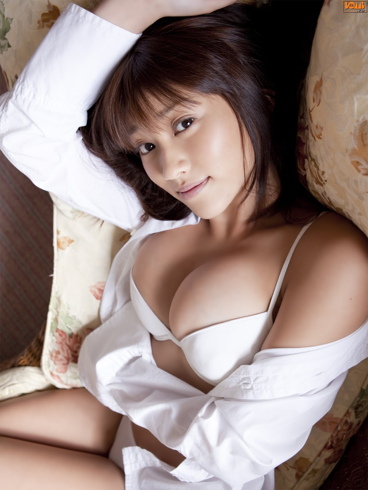 All kinds of redweathered skin sweaty skin smiles in the morning light Mikie Hara018